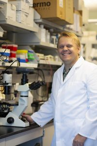 Dr. Axel Lehrer in his laboratory at UH-JABSOM. Photo by Deborah Manog Dimaya, Nov. 2018.