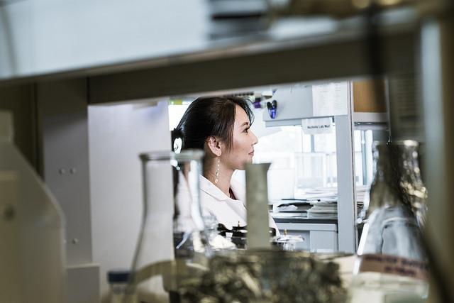 Ruth Taketa in the lab.